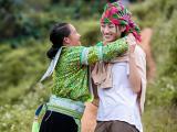 19 tuổi, Hoa hậu Lương Thuỳ Linh quyết tâm san núi làm đường