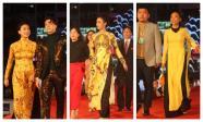 Ngô Thanh Vân, Đỗ Mỹ Linh rực rỡ với áo dài sắc vàng cùng dàn sao Việt đổ bộ thảm đỏ LHP Việt Nam 2017