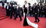 Lý Nhã Kỳ hoá hoa tulip kiêu kì tạm biệt thảm đỏ Cannes và những dấu ấn để lại