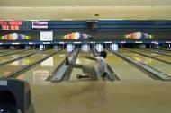 Cú ném bowling ảo nhất thế giới