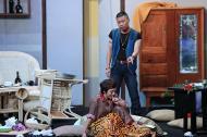 Công Lý đập bàn đập ghế vì 'đứa con bất trị' Thu Trang