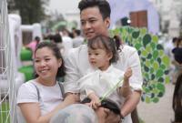 Hồng Đăng lần đầu đưa vợ và hai con gái đi dự sự kiện