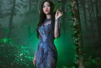 Hoa hậu Mỹ Linh đắm say với vẻ đẹp hoang sơ
