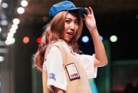 Sen Nhi Thu mở màn cực cá tính tại Vietnam International Fashion Week 2017