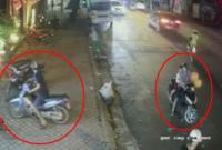 Chở theo con nhỏ, cặp đôi vẫn táo tợn ăn trộm xe máy