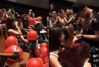Diệp Lâm Anh khóc nức nở khi bất ngờ được bạn trai cầu hôn tại rạp chiếu phim