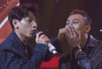 Ngỡ ngàng Isaac 'khóa môi' nam thí sinh ngay trên sân khấu