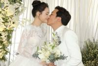 Tiệc cưới của Trường Giang - Nhã Phương: Cô dâu chú rể xuất hiện, trao nhau nụ hôn ngọt ngào