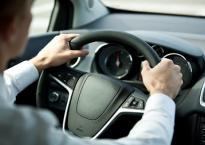 Cùng một chiếc xe, vì sao ô tô của bạn 'uống' xăng nhiều hơn xe người khác?
