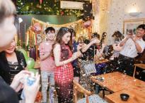 Hồ Quỳnh Hương hạnh phúc đón sinh nhật bên cạnh gia đình và fan