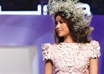 Phạm Hương lộng lẫy như nữ thần, làm vedette cho show diễn tại Dubai