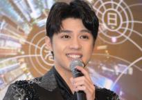 Noo Phước Thịnh được tiếp đón theo tiêu chuẩn ngôi sao, tự tin nói tiếng Anh tại Hong Kong