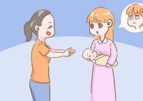 Bố mẹ lúc nào cũng thích bồng bế con, nhưng trong 2 giai đoạn này đừng bao giờ làm thế thường xuyên
