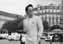 'Soái ca' Hứa Vĩ Văn lịch lãm trên đường phố Paris