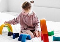 Muốn con lớn lên thông minh hơn người, bố mẹ không nên bỏ qua 9 món đồ chơi theo phương pháp Montessori