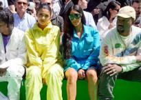 2 năm sau vụ cướp kinh hoàng, Kim Kardashian cùng chồng và em gái quay lại Paris hội ngộ dàn sao khủng