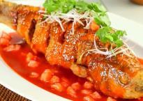 Cá chiên giòn sốt chua ngọt, món ngon khó cưỡng cho ngày mát trời