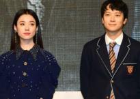 Sau tin đồn hẹn hò, Han Hyo Joo và Kang Dong Won sánh đôi tại buổi quảng bá phim bom tấn
