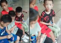 Màn ảo thuật 'đỉnh cao' khiến cậu bé nhỏ tuổi há hốc miệng kinh ngạc