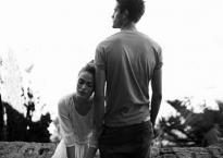 Tại sao sau khi kết hôn, đừng coi chồng là người thân?
