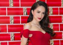 Hương Giang đẹp kiêu kì với váy trễ nải, đeo trang sức hơn 1 tỷ đồng dự sự kiện