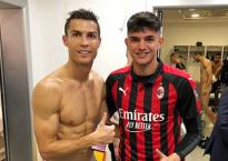 Siêu sao Cris Ronaldo vô tình khiến đồng đội lộ 'phần nhạy cảm'