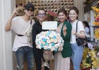 Lần đầu tiên, Soobin Hoàng Sơn mặc áo đôi cùng bạn gái tin đồn xuất hiện tại sự kiện