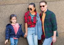 Gia đình Đoan Trang cực chất với style dạo phố đầy màu sắc
