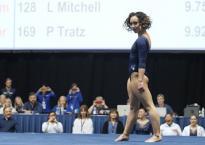 VĐV thể dục dụng cụ Mỹ thi đấu trên điệu nhảy Michael Jackson gây sốt
