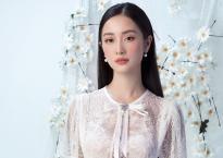 Diện váy ren mỏng, Jun Vũ lấp ló khoe vòng một căng đầy