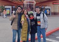 Thay vì đón Tết cổ truyền ở Việt Nam, Hoa hậu Thu Hoài cùng bạn trai và các con đi du lịch Nhật Bản