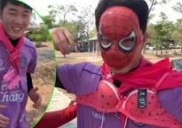 Xuân Trường hào hứng mặc nội y màu hồng tập thể lực cùng đồng đội ở Buriram United