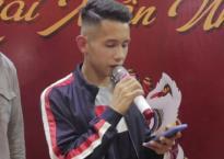 Cầu thủ Hồng Duy hát live 'Hongkong 1' cực ấn tượng 'đốn tim' fan