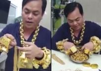 Đại gia đeo 13kg vàng lần đầu hé lộ 'lò bát quái' chuyên dùng để nấu vàng thành khối
