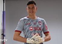 Đặng Văn Lâm tươi cười rạng rỡ sau khi khóc nức nở trong trận ra mắt Muangthong United