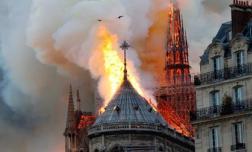 Cảnh sát Pháp tiết lộ 'thủ phạm' gây cháy kinh hoàng ở Nhà thờ Đức Bà Paris