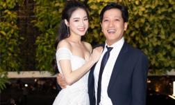 Vừa làm 'lộ' tên con gái, Nhã Phương lại khoe vòng một căng đầy bên cạnh ông xã Trường Giang tại sự kiện sau kết hôn
