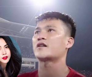 Thủy Tiên cảm động trước hình ảnh ông xã Công Vinh rơi nước mắt trên sân cỏ