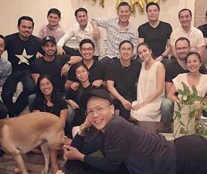 Tăng Thanh Hà lộ rõ bụng bầu những tháng cuối thai kỳ trong tiệc sinh nhật chồng