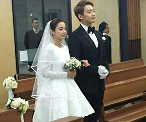 Đám cưới Bi Rain và Kim Tae Hee: Ảnh hiếm hoi của cô dâu, chú rể hạnh phúc thề nguyện