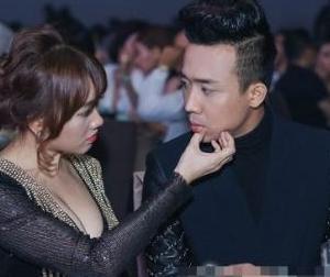 Đồng nghiệp 'tố' vợ chồng Trấn Thành, Hari Won liên tục hôn nhau khi đi thu âm?