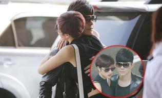 Nathan Lee ôm chặt Phương Mai ở sân bay