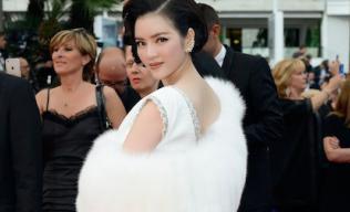 Lý Nhã Kỳ phải tự ủi đồ khi tham dự LHP Cannes