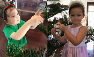 Hai con Hồng Nhung tự tay trang trí cây thông Noel