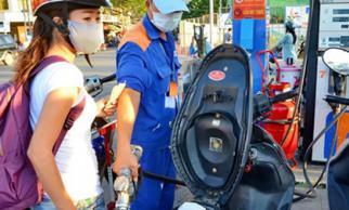 Xăng dầu nặng áp lực tăng giá