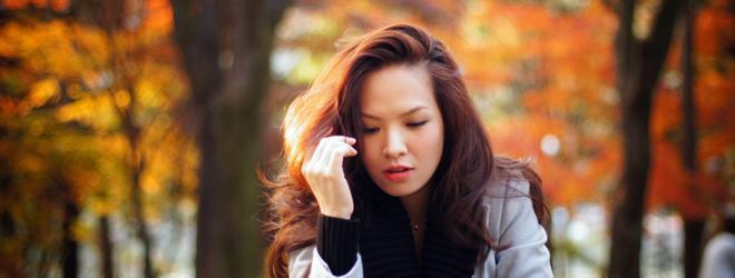 MC Đan Lê xinh đẹp ngắm lá vàng ở Hàn Quốc
