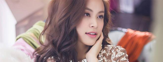Hoàng Thùy Linh khoe gương mặt đẹp không góc chết