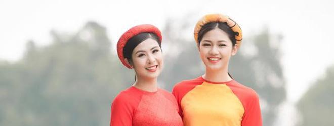 Hoa hậu Ngọc Hân và Á hậu Thanh Thanh Tú duyên dáng khi diện áo dài