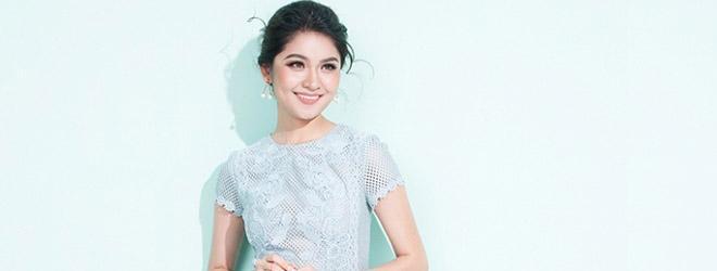 Á hậu Thuỳ Dung khoe đường cong quyến rũ với váy ren xuyên thấu