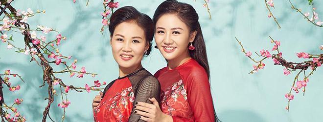 Văn Mai Hương khoe mẹ ruột trẻ trung, xinh đẹp trong bộ hình ngập tràn sắc xuân